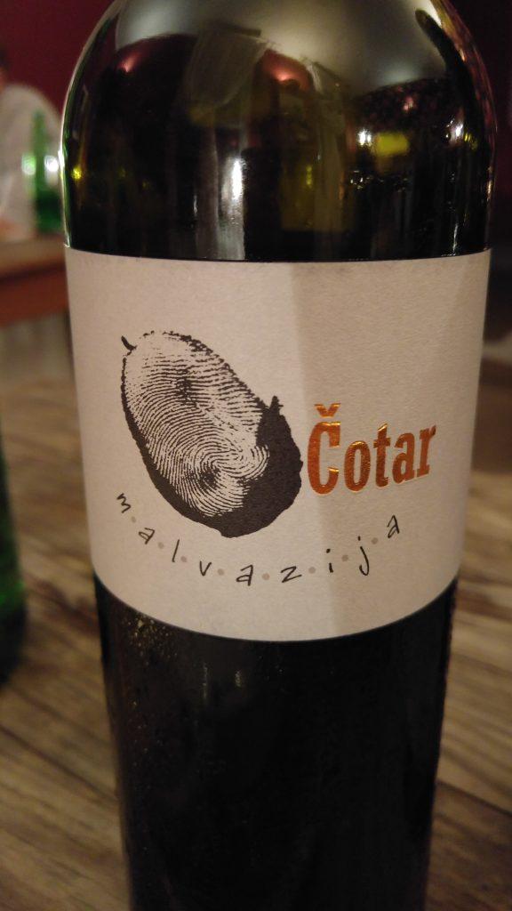 orange naturvin från Cotar som har sina odlingar i Karst, Slovenien