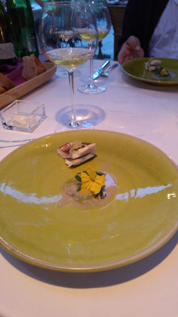 Havsruda, mulle och mussla med lite riven gurka, Hisa Franko
