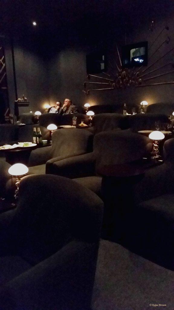 Bar Deo salongen med sina sköna fåtöljer