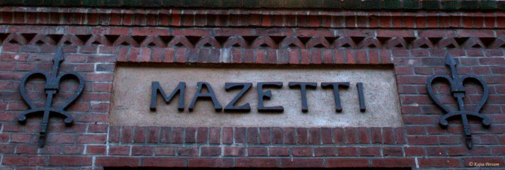 Mazetti på husväggen