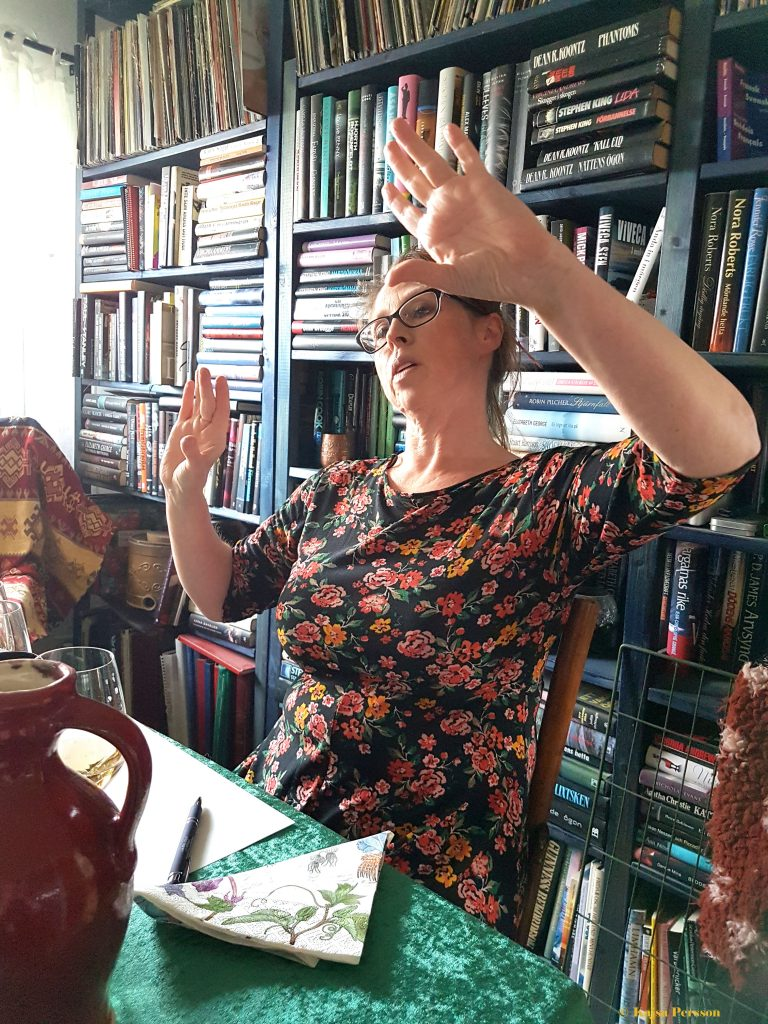 Lena förklarar om Champagnes områden och restriktioner