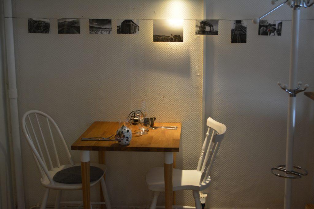 Bordet för två hos Sinti, Göteborg