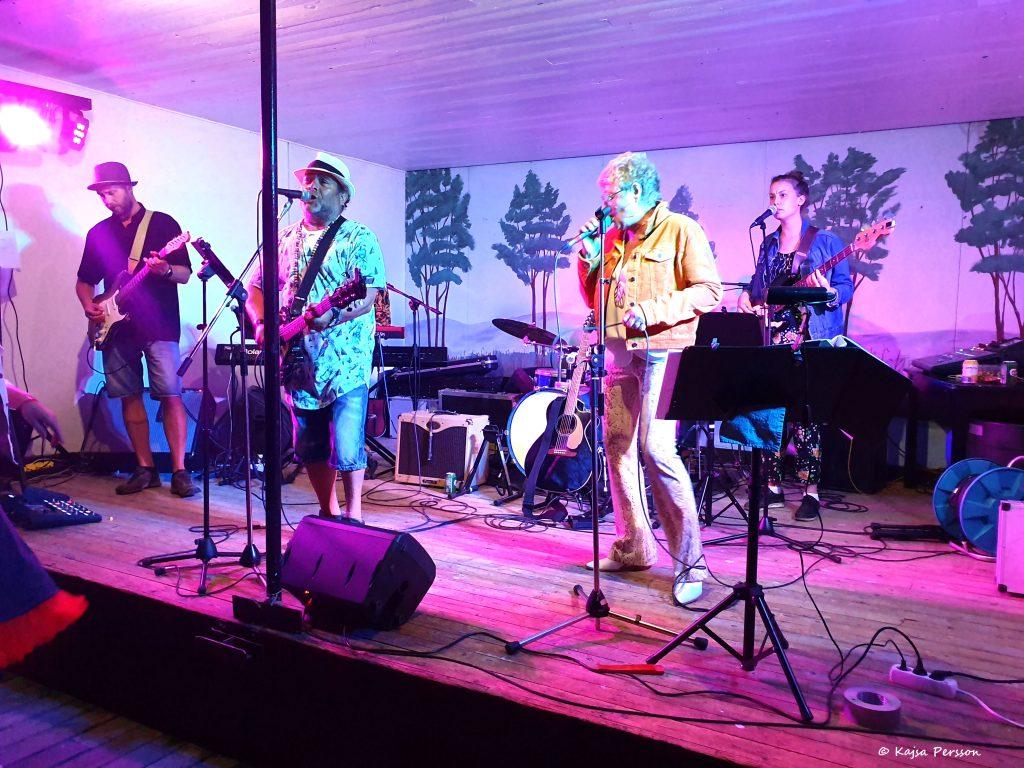 Liveband på scen
