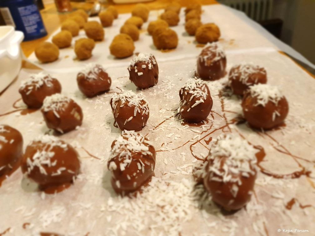 Bountybollar och lakrits-cocos bollar till julgodis